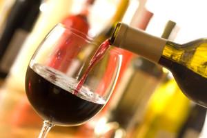B_Wine_tasting_pouring_iStock_000006170852XSmall
