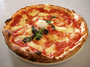 The mouthwatering Neapolitan Pizza Margherita